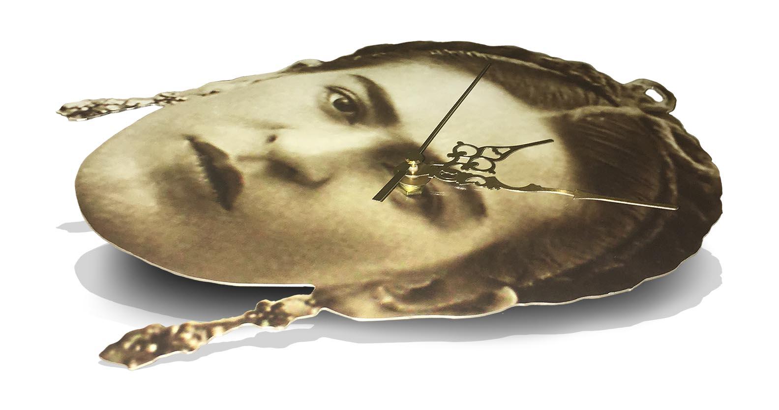 ClockWork Cros, Frida Kahlo